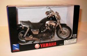 [X] NewRay 1-12 Vmax model-black boxed