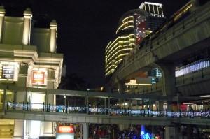 StSYL_skywalk near Gaysorn soi